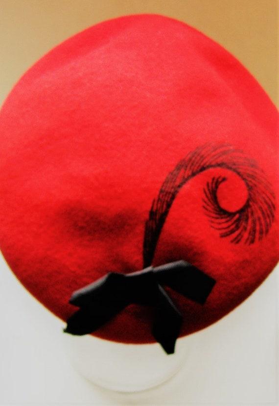 SALLY ANN PROVAN millnery  Red felt beret designer