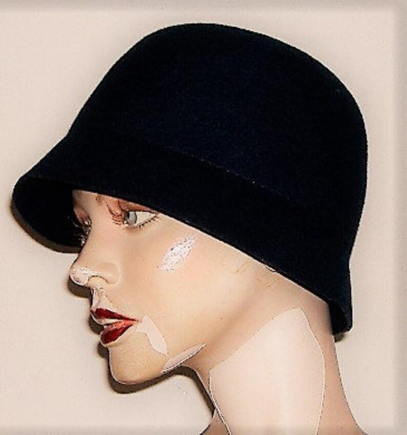 CLOCHE STYLE BLUE felt Hat