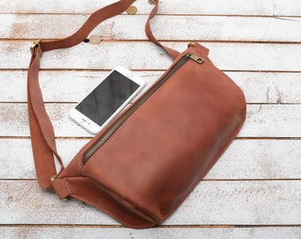 828c9d64bb00 Leather fanny pack