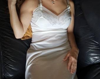 4aeb33b8faa48 1950 s Nightgown