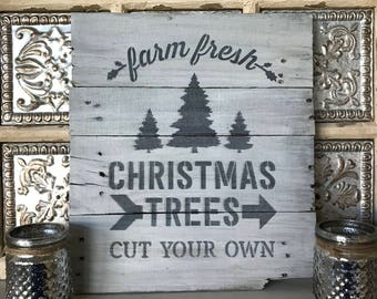 Farmhouse Christmas Sign