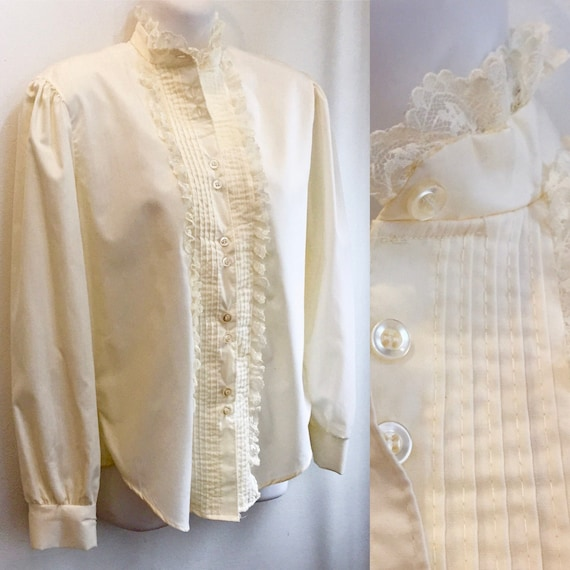 Vintage 70's Does Victorian LACE BLOUSE / High Nec