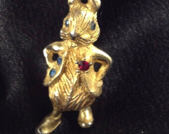 Alice's I'm Late I'm Late for a very Important Date Vintage Costume Jewelry RABBIT Brooch / Pin