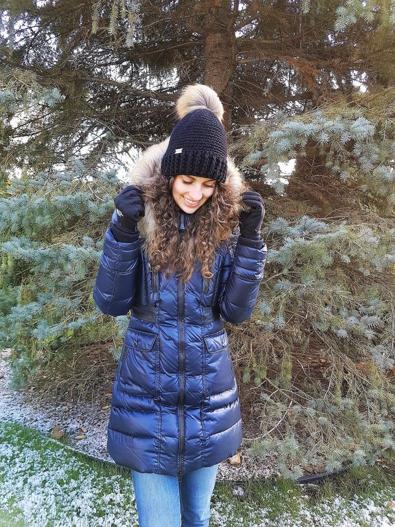 Hat Size Adult Large Winter Hat with removable fur pompom Tuque d/'hiver avec pompon d\u00e9tachable