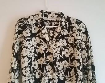 Vintage Liz Claiborne Collection Womens Size 6 Button Up Blouse Floral Rayon