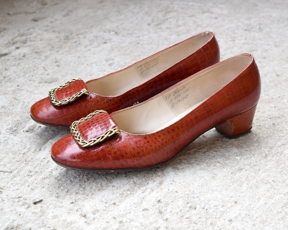 60s Alligator Leather Pumps Mod Shoes Size 8 B - image 1