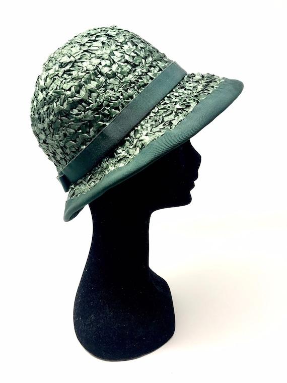 Vintage green straw hat woman cloche 60s sun summ… - image 1