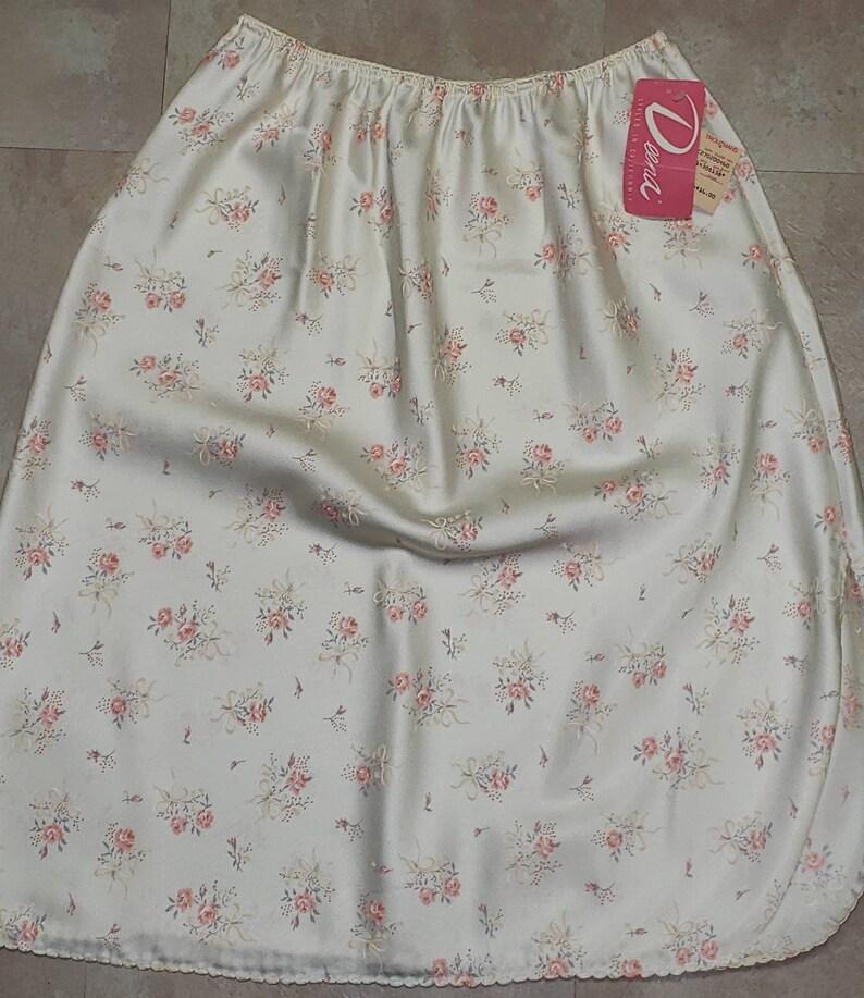 Lovely Vintage Deena Satin Half Slip Ivory with Pink Roses Lg