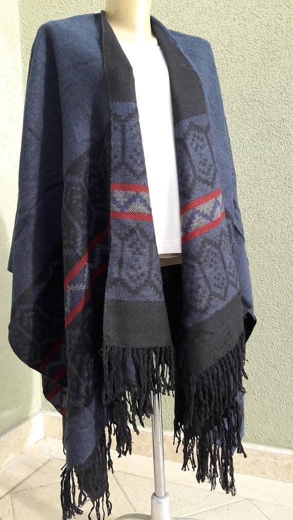 Poncho Oversize Bordeaux rouge turc kilim motif flanelle   Etsy 790ea3c9261