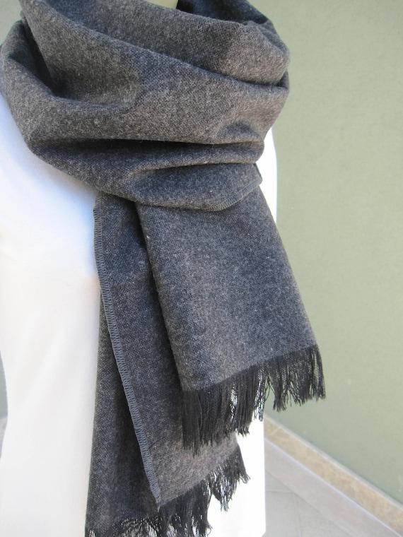 Écharpe en laine tissu hiver gris anthracite gris Cachemire   Etsy 7952a12d8ab