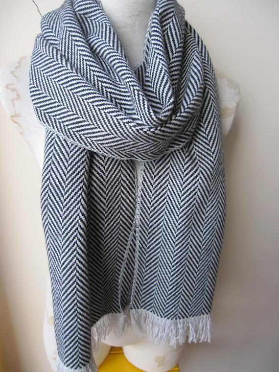 Foulard en tissu de laine dhiver gris noir à chevrons tweed   Etsy 62debf218cd