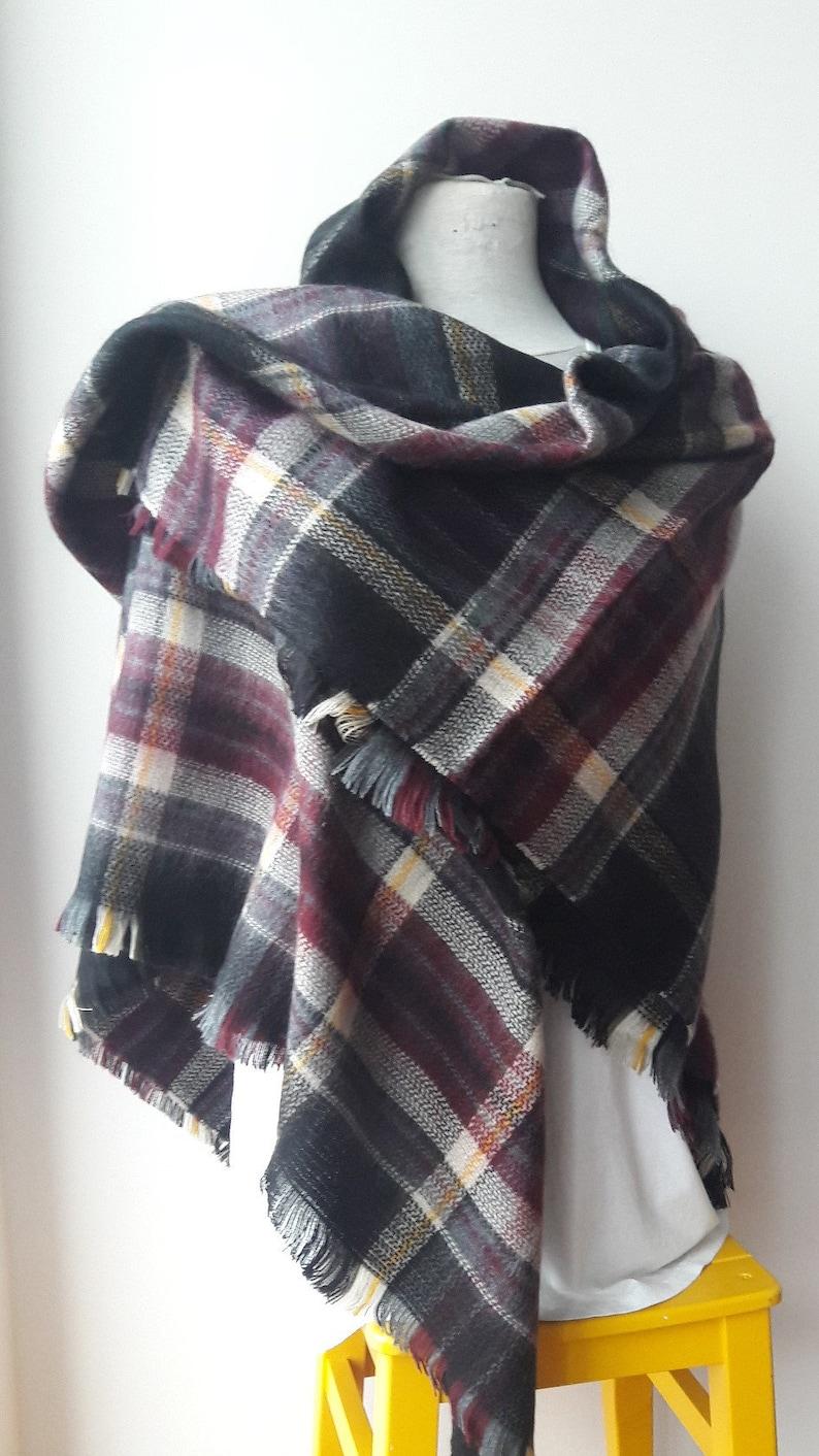 763e4955ec5 Couverture à carreaux classique écossais tartan noir gris