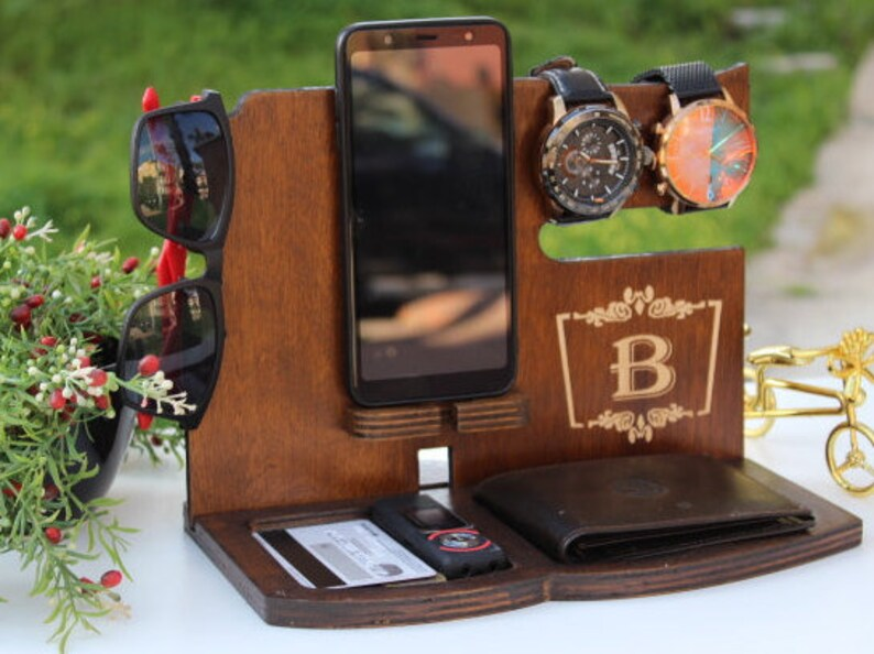478591888a5f Fathers Day Gift ideas for dad From Daughter docking station