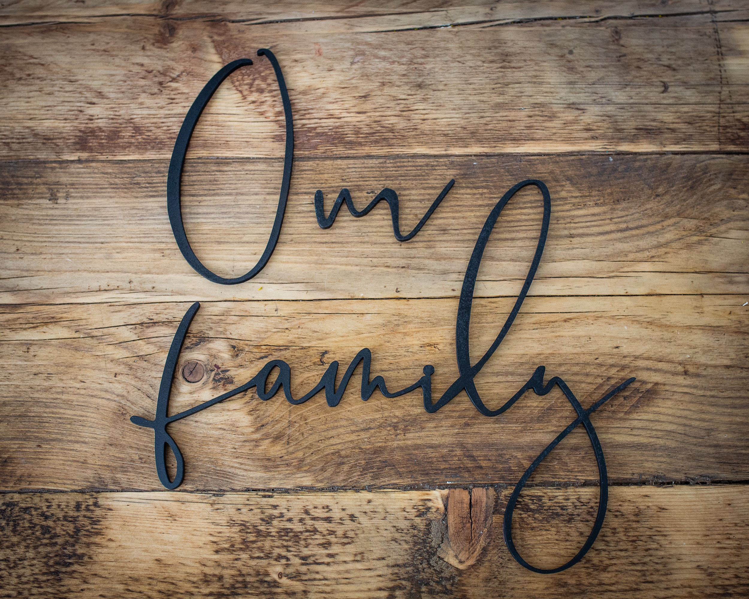 Wall Decal Quote Our Family Is A Circle Of Strength And