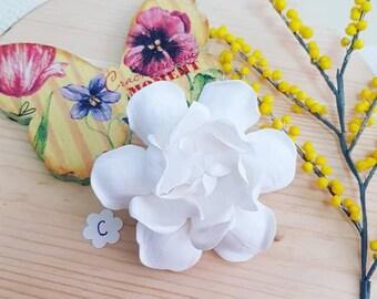 White gardenia hair clip, gardenia hair flower, hair clip gardenia, white flower for wedding, gardenia on alligator clip, gardenia clip