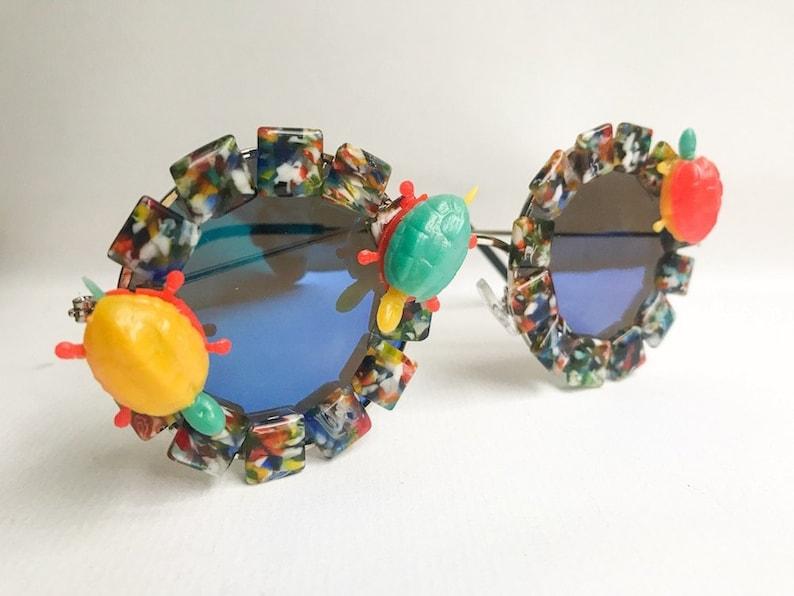 62d01b78177 Turtle Rainbow Sunglasses Embellished Sunglasses Blue