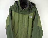 the NORTH FACE HyVent Shell Jacket, Lightweight Windbreaker Technical Mountain Jacket Green Nylon With Hood, Size m