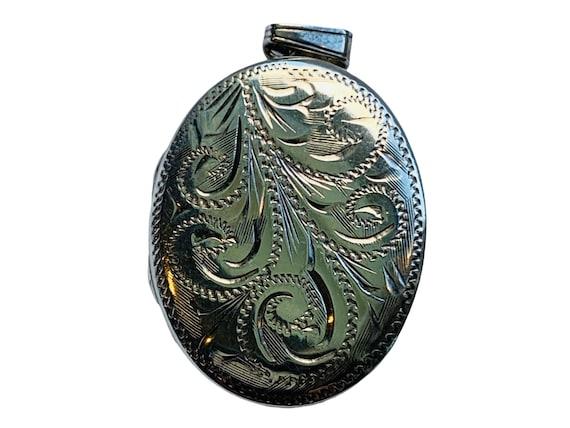 Silver Locket| Oval locket| Vintage Silver |Locket