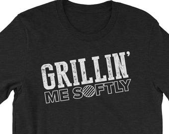 Funny Dad BBQ Grilling Gift T Shirt - Meat Smoker Pitmaster Tshirt - Grillin Me Softly Pit Master T-Shirt - Funny Barbeque Sayings Quote Tee