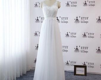 2018 A-line Simple Wedding Dress V-neck Elegant Lace Sleeveless Wedding Gown  Pearl Button Back White 2018 Bridal Beach Wedding Dress Tulle a9f3eb10e8c3
