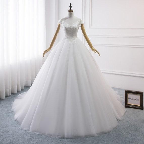 Wedding Dress White, Wedding Dress Plus size, Wedding Gown Lace,Vintage  Wedding Dress,Wedding Dress Off Shoulder,Wedding Dress V-neck Tulle