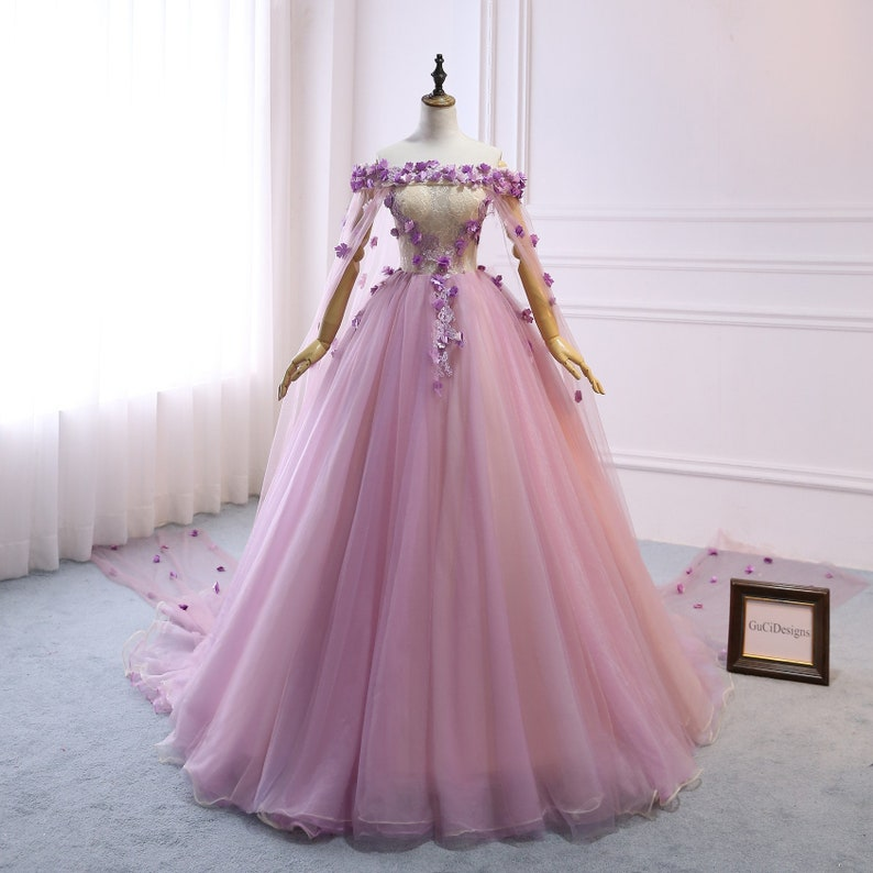 66c6d721cd104 Custom Women Light Purple Prom Dress Ball Gown Long Quinceanera Dress  Flowers Shoulder Cape Prom Dress Wedding Bride Gown Illusion Back-32