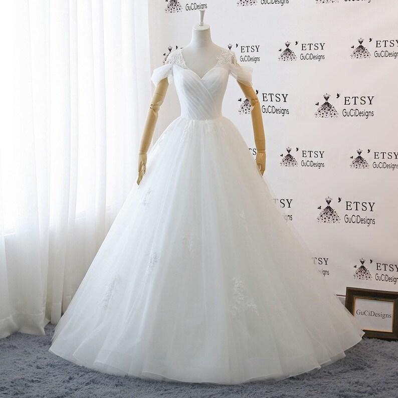 e0335a3da9a A-line Floor Length Tulle Wedding Dresses White Lace wedding