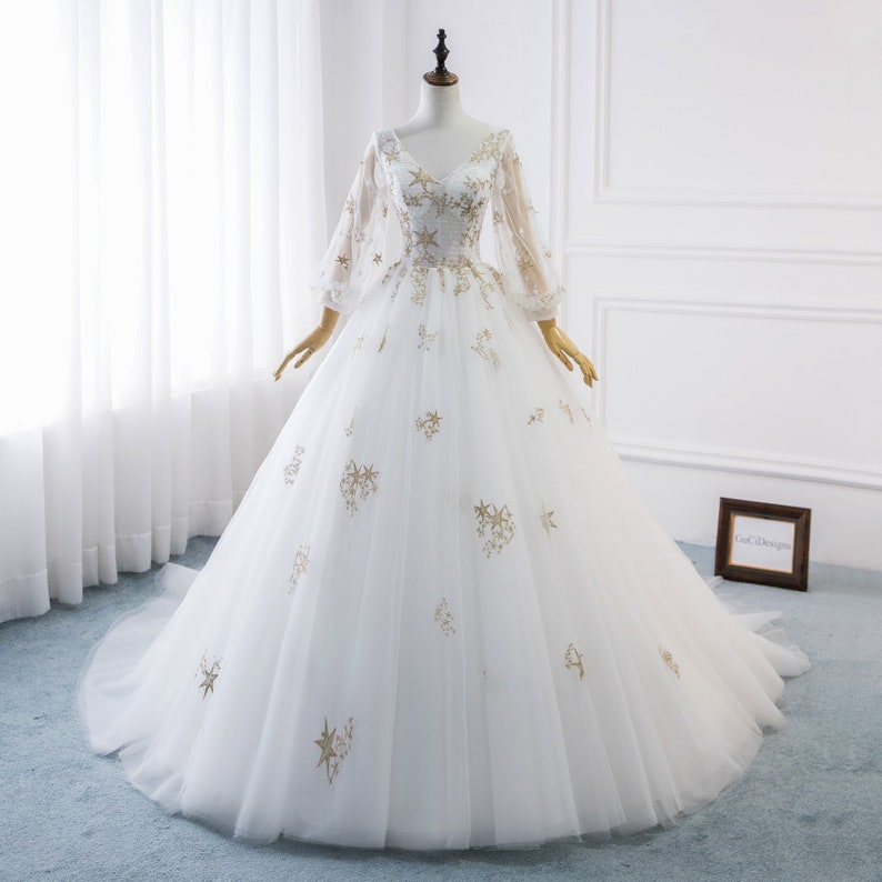 fa5d416cdbee4 2019 Romantic A-line Star Wedding Dresses White Tulle Bridal Gown Gold Lace  wedding dresses Balloon Sleeve Wedding Gown Custom Bride Dress