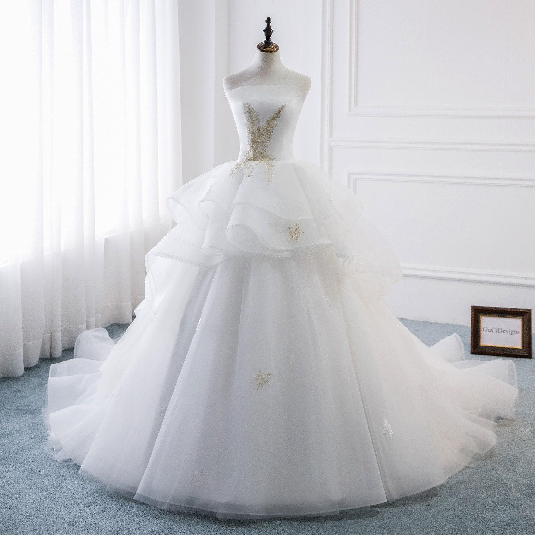 20 Romantic A line Royal Wedding Dresses White Bridal Gown Gold Lace  wedding dresses Boho wedding Gown Custom Bride Dress Long Train