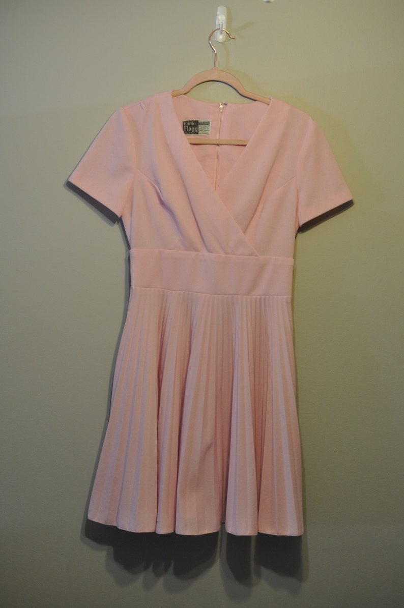 Edith Flagg 1970s vintage polyester pink dress