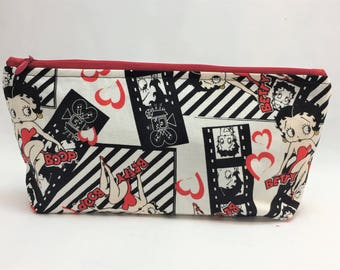 Medium Zipper Pouch Cute, geeky and popculture fabric