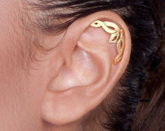 14k Gold Celtic Cartilage Earring - solid gold helix , helix piercing , ear piercing , helix stud , celtic helix earring , celtic jewelry