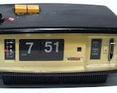Vintage Sanyo Flip Clock Radio 1970 39 s 6CA - T45 Retro RARE Black Mid Century