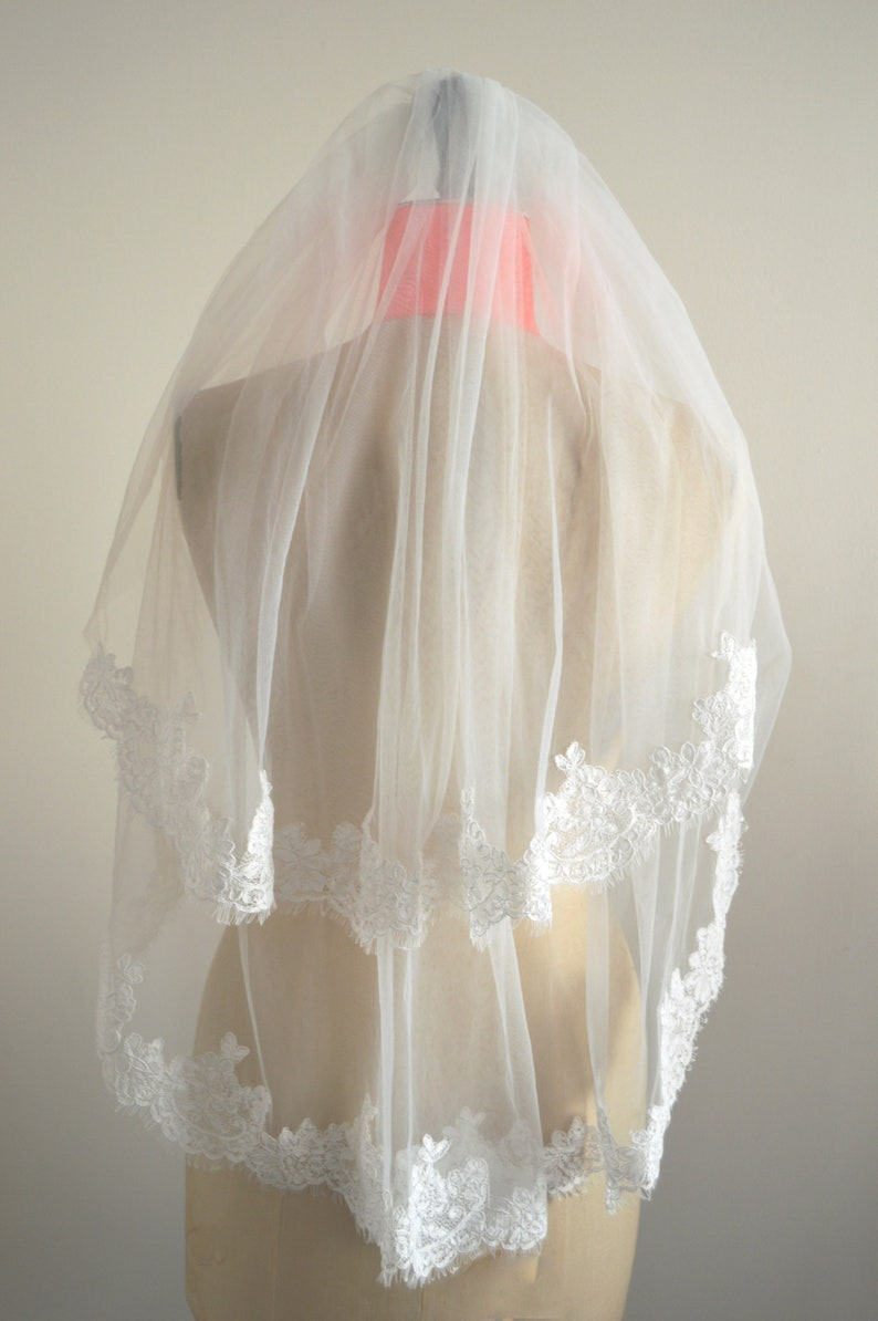 Ivory Two Tiered Lace Edged Bridal Veil Wedding Veil /'Edith/'