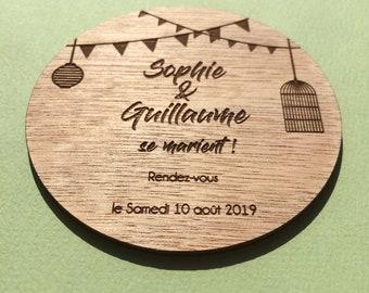 Save the date / invitation pour mariage ou fête , de forme ronde, en bois, monté sur support aimanté + enveloppes gratuites