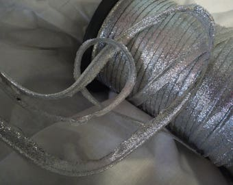 2 meters of 4 mm wide silver lurex piping