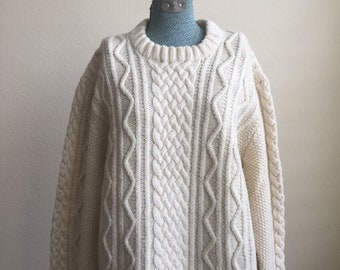 Vintage off white - cream cable knit pullover wool sweater