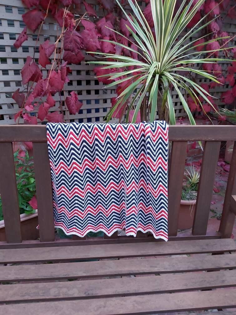 Couverture de bébé Chevron de luxe tricotée à la main 50% Australien Superwash Merino and Cotton