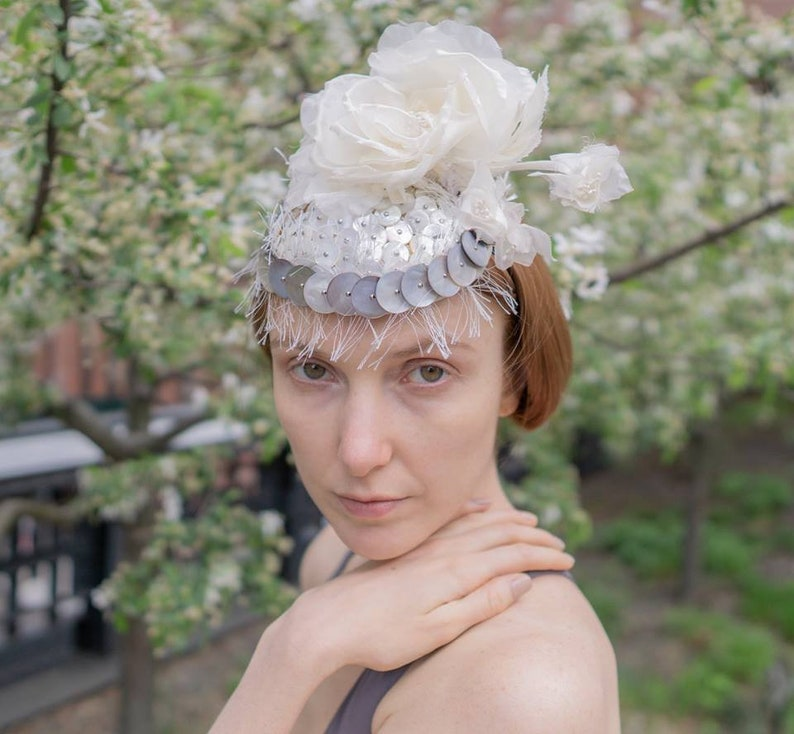 Ivory Bridal Fascinator Cocktail Mini Hat Millinery Mother of image 0