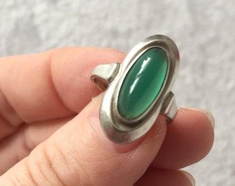 Dutch Vintage green jade silver Ring green gemstone 835 ZII
