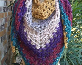 Granny triangle scarf/shawl in warlock