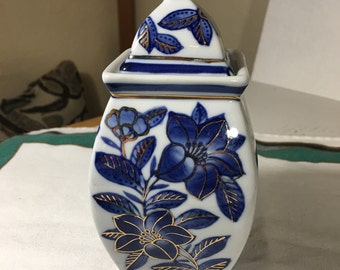 Small Ginger Jar Cobalt Blue and White Floral with Gold Trim 6-3/8""
