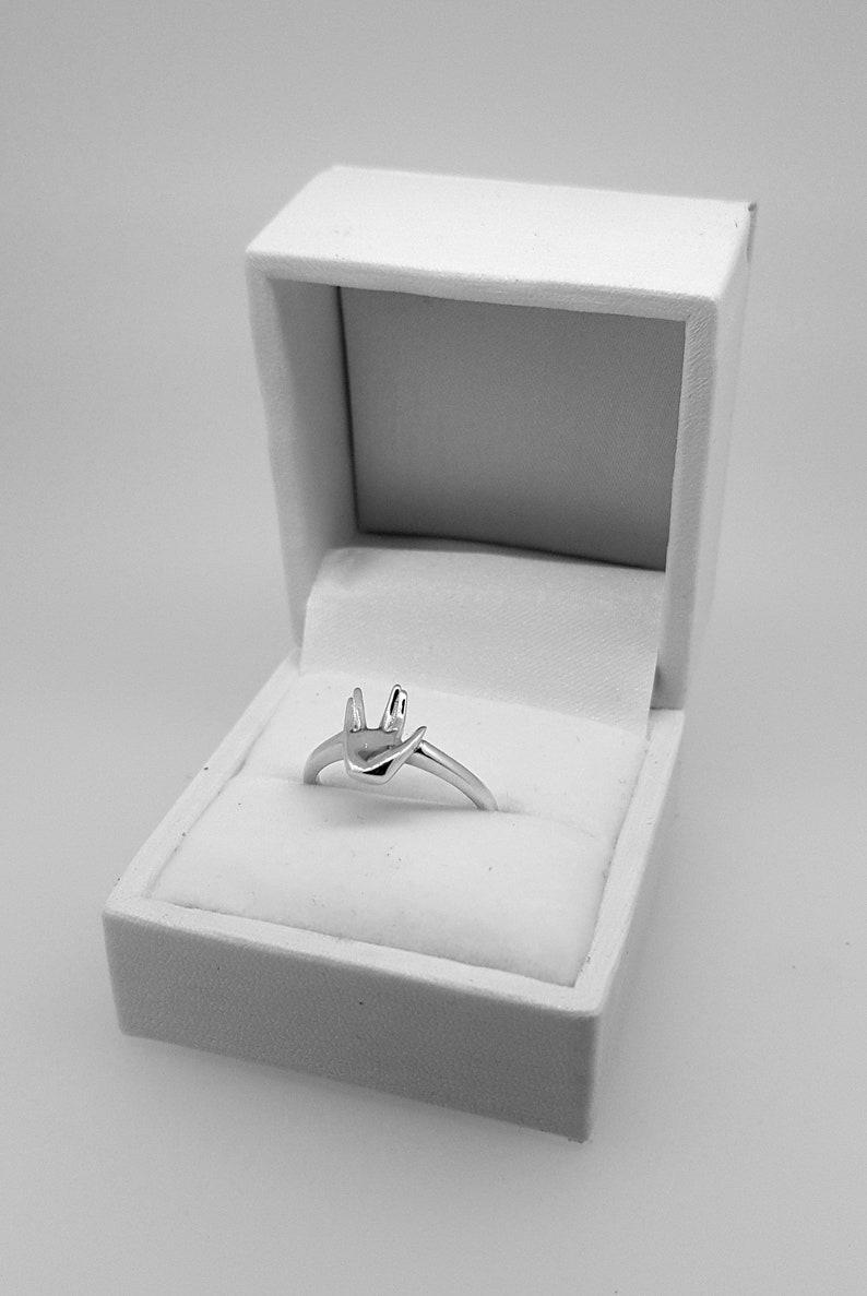 Star Trek Hand Gift Vulcan Salute Sterling Silver Ring