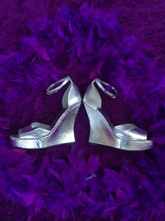 Terry de Havilland Silver Snakeskin Sandals 39 6 9