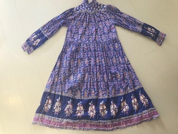 Violet 1970s block-printed Indian cotton smock dre