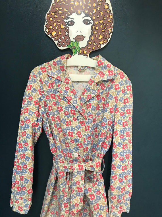 Fabulous 1940s / 50s printed button-up house coat