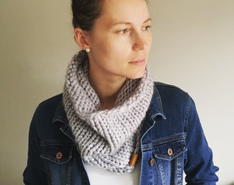 Chunky cowl, knitted cowl, hand knit cowl, bulky cowl