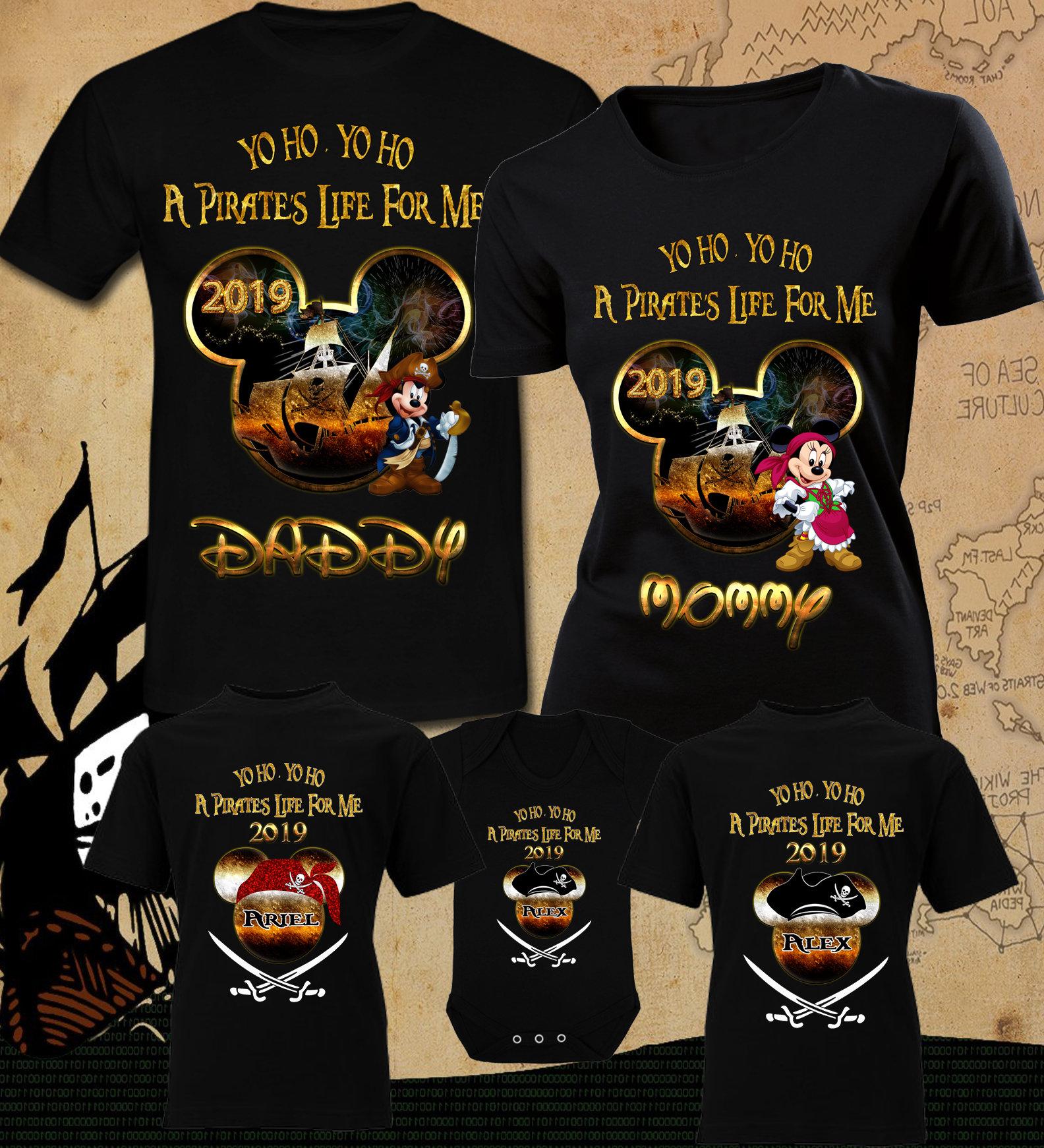 38bc4fc36 We Are Family Pirates T Shirt - Nils Stucki Kieferorthopäde