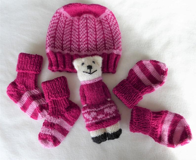 Handknitted set for newborn. Eliza set