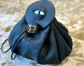 Dragon Eye Dice Bag Dungeons and Dragons Dark Green Leather Regular - DnD Dicebag Coin Pouch LARP Bag Dungeon Gifts RPG Gift Props